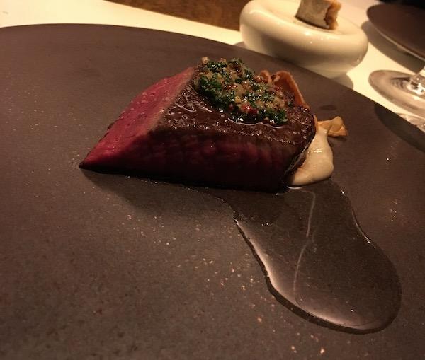 オルタナティブさん(西麻布)のお肉料理
