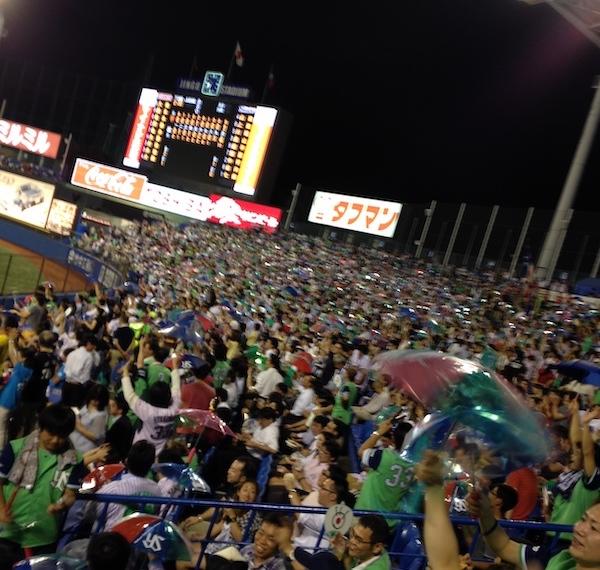神宮球場で日本シリーズを